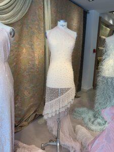 composición vestido pedrería